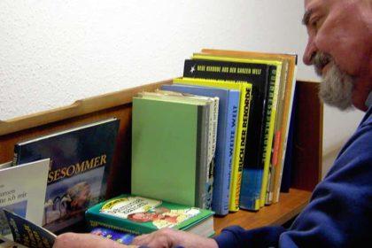 Mobiler Bücherwagen – Ein lieb gewonnener Begleiter der Senioren