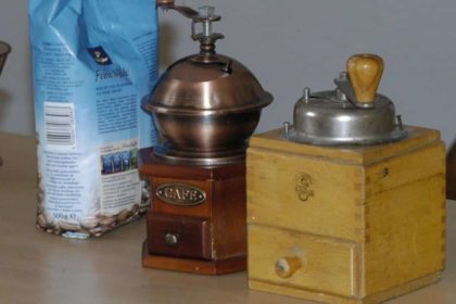 Rätsel, Kaffeetassen-Zielwurf und Selbstgebrühter