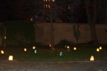Stimmungsvolles Lichtermeer zum Martinsfest