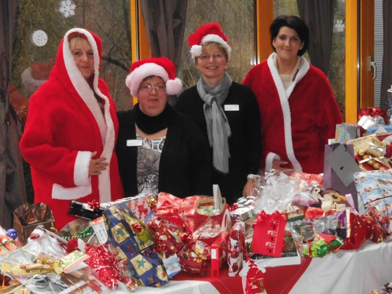 Familiäre Weihnachtsgrüße.Weihnachtsgrüße Aus Baden Baden Maternus Seniorencentrum