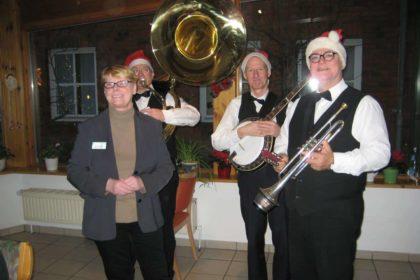 Große Weihnachtsfeier im Cura Seniorencentrum Husum Villa Spethmann