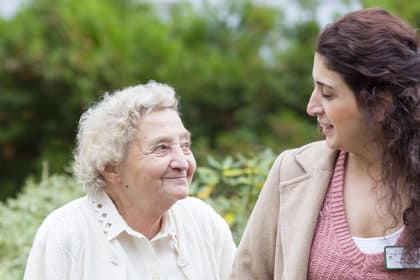 Gut behütet unterwegs – Tagesausflüge für Senioren