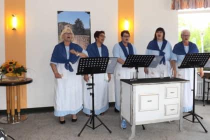 Die singenden Küchenschaben – alte Lieder wieder da