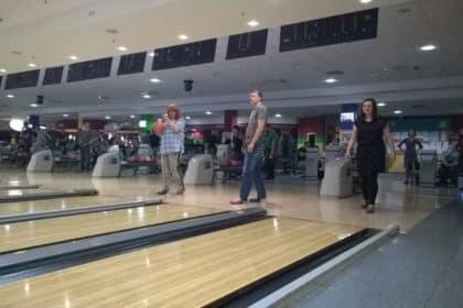 Mitarbeiter-Bowling 2.0 – Sommerteamevent des Maximilianstiftes