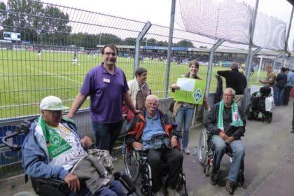 CURA-Fußball-Fanclub zu Gast im Ostfriesland-Stadion
