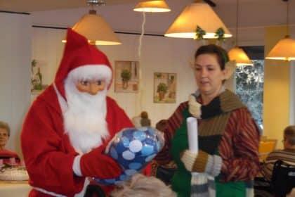 Bewohnerweihnachtsfeier mit Folklore