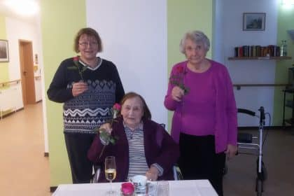 Emden: Schöne Geburtstagsfeier für die Bewohner