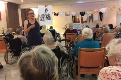 Schlüpfer, Leibchen und Korsagen – ein Vortrag von Ute Iserloh