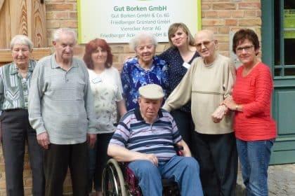 Gut Borken – Bewohner der Cura SC Einrichtung besuchen Bio Hof