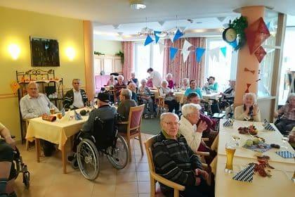 Oktoberfest im Seniorenheim