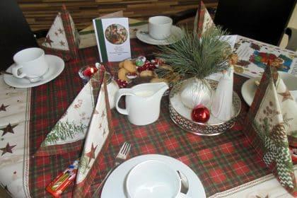 Festliche Töne, ein Weihnachtsmann und .. …lecker Entenbraten!