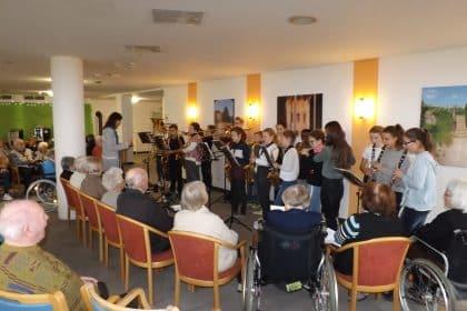 Konzert – Schüler der Carl-Orff-Realschule zu Gast im Seniorencentrum