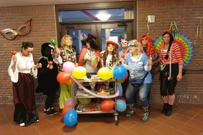 Konfetti und Kamelle- Karneval im Cura Seniorencentrum