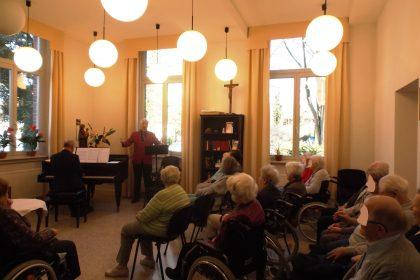 Klassik-Frühlingskonzert am Flügel im CURA Seniorencentrum Bergedorf