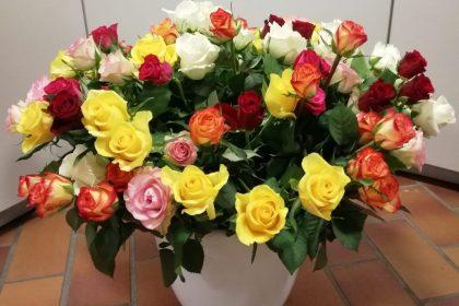 """Zum Muttertag """"Liebe Blumengrüße"""" an unsere Bewohnerinnen"""