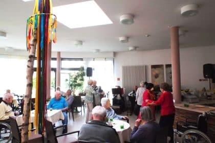 Tanz in den Mai im CURA Bergedorf