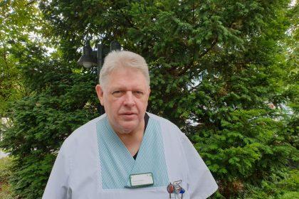 "Herr Wottke feiert 25-jähriges Dienstjubiläum als ""Examinierter Krankenpfleger"""