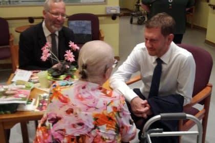 Ministerpräsident des Freistaates Sachsen besucht Seniorencentrum Angelika-Stift in Leipzig