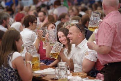 Bayerwald-Klinik auf dem Volksfest