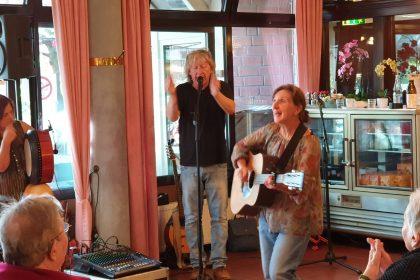"""Kräftige Klänge und viel Freude beim Auftritt der Folk-Band """"Fragile Matt"""""""