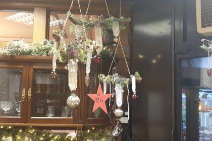 Adventsbasar mit stimmungsvollem Programm und schönen weihnachtlichen Dekoartikeln