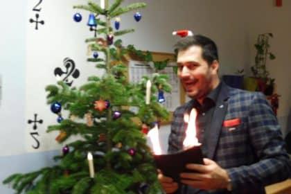 Weihnachtsfeier mit Magie