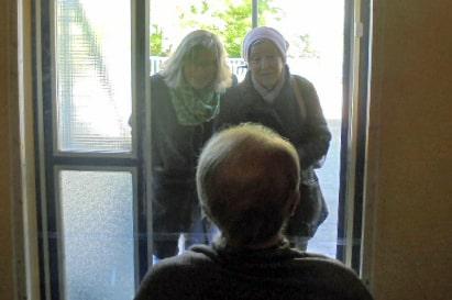 Unser Besucherfenster lindert den Trennungsschmerz!