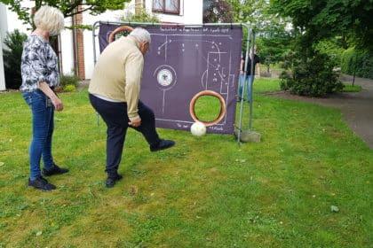 Fußballhelden im Garten